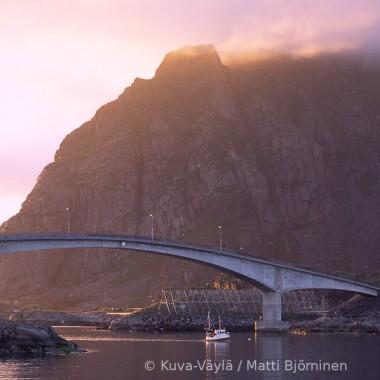 Matkailuautolla tunturilappiin, Norjan vuonoille tai huvipuistoon?